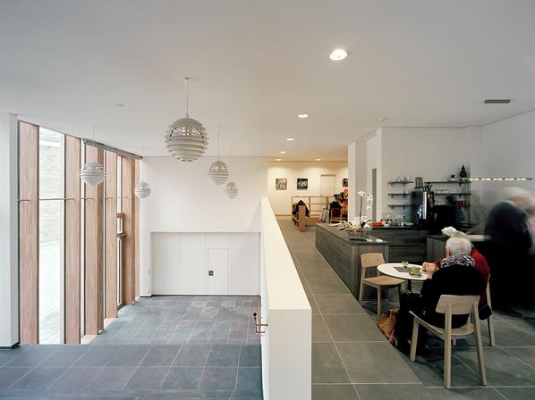 Café und Halle