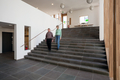 Halle, unterer Bereich und Treppe